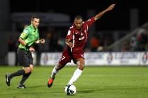 Metz - Laval, 6e journée de Ligue 2  : Mahamane Traore en pleine action de frappe